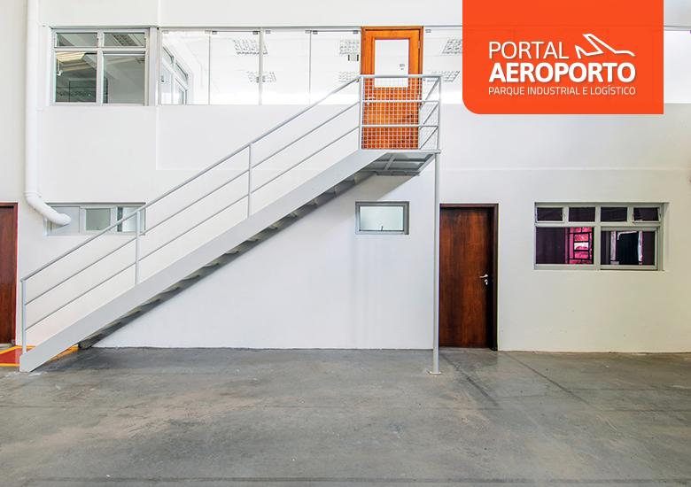 Vantagens de ter um mezanino industrial no galpão logístico - Portal IC