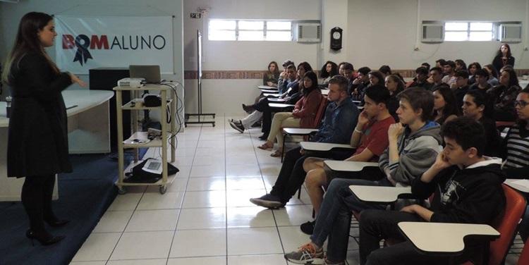 Programa Bom Aluno forma novos profissionais - Portal IC